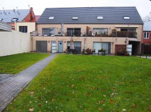Ruim goed onderhouden gelijkvloers appartement te huur nabij het centrum van Begijnendijk. Het appartement heeft 1 slaapkamer, toilet, badkamer, grote