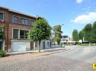 Prachtige woning gelegen in de Unitaswijk met 3 a 4 slpks./praktijkruimte, garage en tuin met een bew. opp.van 165m² op een perceel van 170m. Ink