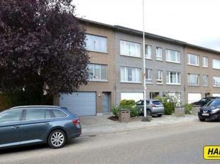 Prachtig duplex appartement (HOB) van 130m² met 3 a 4 slpks., garage en tuin op een perceel van 300m² in een klein gebouw van 2 hoog . Op he