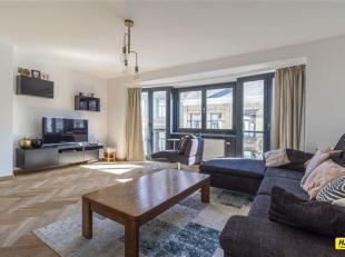 Moderne, instapklare duplex met 3 slaapkamers en terras op toplocatie in Antwerpen.<br /> De woning is gelegen op het bruisende Zuid. De gunstige loca
