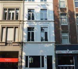 Handelsruimte van ca. 35m² in het centrum van Antwerpen. Het pand is gelegen in straat met veel passage vlakbij het Marnixplein op het Antwerpse