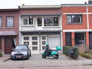 Twee-slaapkamer appartement (ca.90m²) op de 1ste verdieping van een klein gebouw nabij het centrum van Brasschaat, op wandelafstand van winkels,