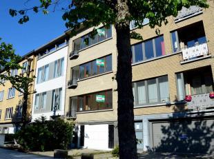Gerenoveerdappartement mettuin en garage nabij het Rivierenhof. Ideale uitvalsbasis in een gegeerde buurt nabij invalswegen.<br /> Indeling:<br /> Op
