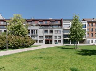 """* EILANDJE: Recent appartement op de 4de verdieping met UNIEK<br />  dakterras in de""""Cadixwijk""""<br /> .Het appartement bevindt zich op de bovenste ver"""