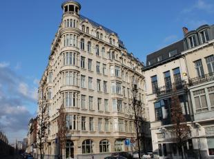 Schitterend penthouse-appartement met 4 slaapkamers en privéterras gelegen op de 6de verdieping van de statige residentie Oostkasteel in de bef
