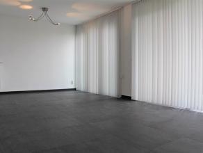 """Goed gelegen instapklaar appartement.Het appartement vinden wij terug op de derde verdieping van residentie """"Hassaporta"""" en is gelegen op wandelafstan"""