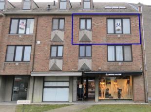 Dit instapklaar appartementop de 2de verdieping van 'Residentie Lotus' ligt centraalin het centrum van Kermt.U komt binnen in de inkomhal vanwaar u to