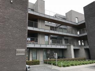 Goed gelegen appartement te KermtDituitstekend gelegen 2 slaapkamer appartement te Kermt centrum heeft volgende indeling:Inkomhal, gastentoilet, livin