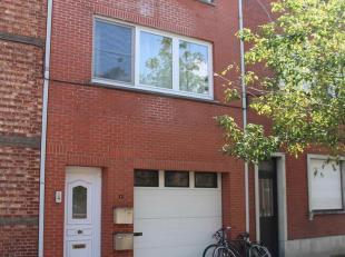 Gunstig gelegen appartementsgebouw, de ideale investering gelegen in deBakkerslaan te Hasselt. (tussen de kleine en grote ring)<br /> Gelijkvloers<br