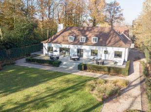Contactname: Eline Ampe - 0478/36 20 40<br /> Deze prachtige en statige villa met zuid-georiënteerde tuin werd vorig jaar volledig vernieuwd en i