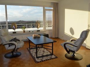 Contactname: Ralph Missault: 0493/65.91.37<br /> Dit instapklaar en zéér energiezuinig appartement op de negende verdieping is optimaal