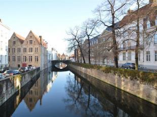 Opbrengsteigendom - Mooi modern studentenkot gelegen pal in het centrum van Brugge.<br /> Energiezuinig kot bestaande uit inkomhal, leefruimte met hoo