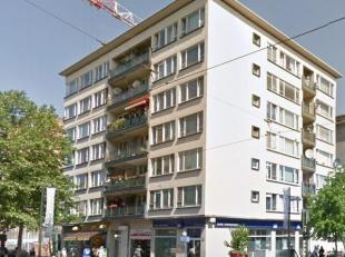 Dit goed onderhouden appartement bevindt zich op de 1e verdieping en heeft daardoor een uniek open uitzicht. Het appartement is gelegen op een interes