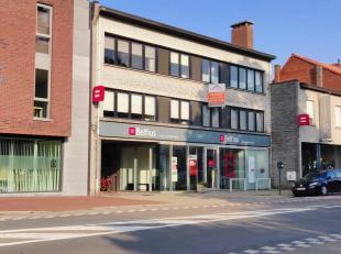 Op een gunstige locatie aan het centrum van Mariaburg vinden we dit ruime 3 slaapkamer appartement (ca.111m²) in een kleinschalig gebouw. Het app