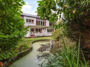 Op een zuid-oost gericht perceel van 2002m², gelegen in een rustige, residentiële laan in Maria-ter-Heide vlakbij invalswegen en dorpskernen