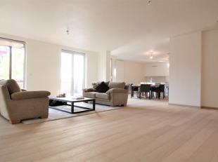 Luxe gelijkvloers appartement ca. 210m² met zonnig terrasca. 33m² is uniek gelegen in een oase van rust en tevens gesitueerd in het centrum