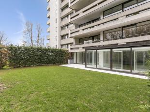 HERTOGENPARK - Lumineus, volledig gerenoveerd 2 slaapkamer luxe appartement ca. 140 m² met privatieve tuin ca. 100m² welke uitkijkt over het