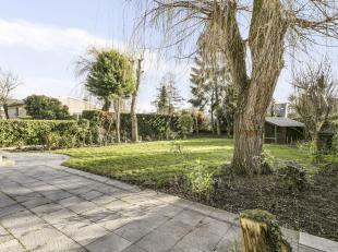 Split-level villa met4 slaapkamers en 2 badkamers op een perceel van 843m² gelegen in de residentiele Elsdonckwijk. Woning met uitbreidingsmogeli