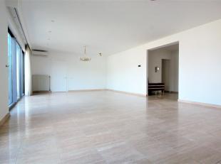 Ruim en luxueus 3 Slaapkamer appartement ca. 160m² gelegen op de toplocatie aan park 'Den Brandt' vlakbij belangrijke in-en uitvalswegen, scholen