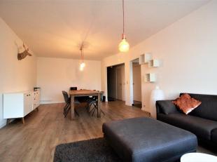 Trendy vollediggemeubeld2 slaapkamer appartement ca. 115m² gelegen op de eerste verdieping met zonnig terras aan de achterzijde, nabij openbaar v