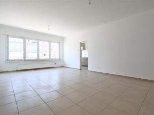 Gerenoveerd en onderhoudsvriendelijk 2 slaapkamer appartement ca. 90m² met terras achteraangelegen op de1 verdiepingverdieping. Het appartement i