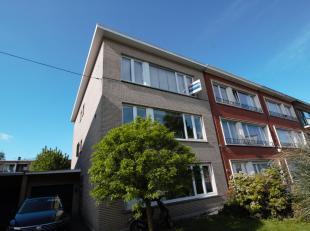 Volledig modern gemeubeld 2 slaapkamer appartement ca. 85m² met zonnig terrasje gelegen in een klein gebouw zonder lift op centrale locatie te PU