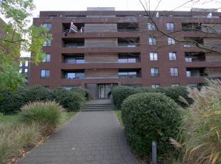 """Schitterend en zeer licht 3 slaapkamer appartement ca.125m² met terras op de 4e verdiepingin de residentiële wijk """"De Veldekens"""" in een zeer"""