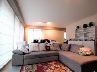 Zeer licht 2 slaapkamer appartement ca. 90m² op parket gelegen in een recent gebouw, Résidence Urbaine in trendy buurt in hartje Antwerpen
