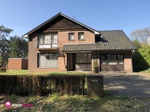 Gelegen in een rustige woonomgeving te Helchteren vindt u deze charmante woning terug. De woning is gelegen op een mooi ruim perceel van 11a 72ca en h