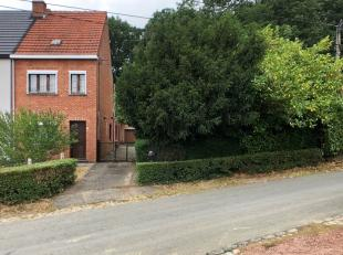 Deze rustig gelegen half open bebouwing bevindt zich op een mooi ruim perceel van 7,17 are aan de Eikelenberg te Molenstede bij Diest. Wie Eikelenberg