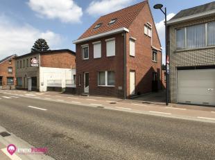 """Woning met handelsruimte en 4 slpks in het centrum van Heusden.<br /> <br /> Bij ImmoFusion 7/7 """"open huis"""" : klik op onze 3D-RONDLEIDING.<br /> Ervaa"""