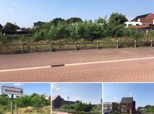 Deze bouwgrond is gelegen in de Kievitveldstraat te Zonhoven. <br /> U geniet hier van een centrale ligging, vlakbij scholen en openbaar vervoer. <br