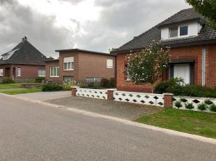 """Prima onderhouden woning met 4 slpks en grote garage met een uitstekende verbinding naar Hasselt en de autosnelweg!<br /> Bij ImmoFusion  7/7 """"open hu"""