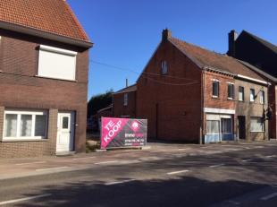 Deze projectgrond bevindt zich in hartje Heusden; direct in het centrum achter de kerk!<br /> Er is reeds een vergunning voor 3 entiteiten : op het ge