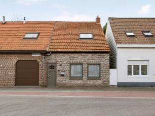 Op rustige locatie nabij het Reigersbos vinden we deze instapklare woning met 2 slaapkamers. Indeling: inkomhal, vervolgens de leefruimte voorzien van