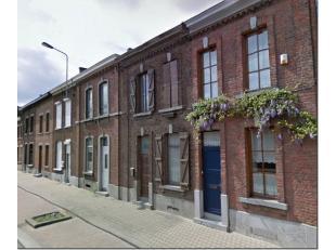 SOUS OPTION ! Courcelles : ravissante maison 2 façades se composant au rez-de-chaussée dun vestiaire, salon SAM de 35m² sur carrela