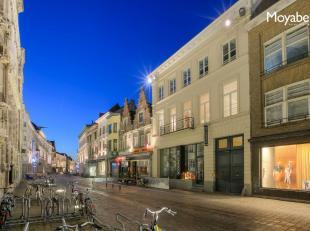 Luxueus appartement gelegen in hartje Gent in een autovrije straat op amper 50 meter van de Korenmarkt, de Sint-Baafskathedraal, de Veldstraat en nabi