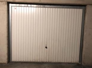 Op het Woutersplein in Runkst, Hasselt ligt deze ondergrondse garage. De ligging is uniek: binnen de grote ring van Hasselt met een uitermate vlotte v