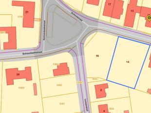Unieke, prachtige bouwgrond voor villa 11Are88ca – breedte maar liefst 29,50m<br /> <br /> Bevindt zich rechts van nr.12 aan de Schoonbeekstraat te  S