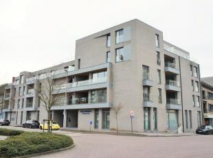 Aan de Winterslagstraat 111 bus 3  te Genk  bevindt zich op het gelijkvloers dit  ruime luxe 4-slaapkamerappartement van maar liefst 175m2 en 35m&sup2