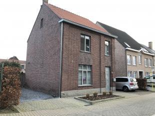 Aan de Brogelerweg 3 te Bocholt vinden we deze gerenoveerde open bebouwing met maar liefst 4 slaapkamers. Het gaat om een degelijke, instapklare wonin