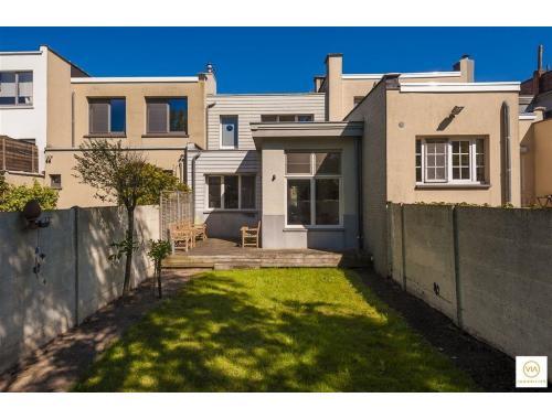 Maison à vendre à Wilrijk, € 485.000