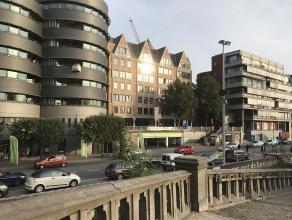 """Info/bezoek: 03 646 66 55 of info@sinjoor.be Commercieel gelijkvloers 410,5m² met uitzicht op """"Het Steen"""". Geschikt voor horeca, diensten of hand"""