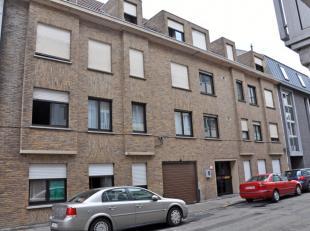 Deze ruime studio met afzonderlijke slaapkamer situeert zich in de Hofstraat, in het hart van Gent (tussen Vooruit en het Zuid). <br /> Eigen keuken,