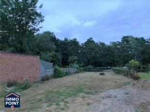 BOUWGROND<br /> GRONDOPPERVLAKTE<br /> 637 m²<br /> STRAATBREEDTE<br /> 10,18 meter