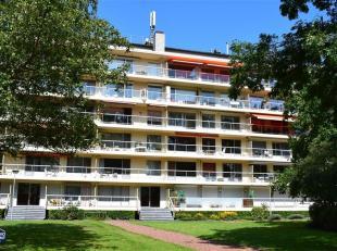 Op te frissen appartement in het parkdomein 'Rubenspark'. In de directe omgeving vindt u openbaar vervoer, winkels (Carrefour), scholen, Fort V,...<br