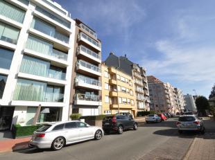 Ruim, zonnig en recent gebouwd, instapklaar appartement vlakbij het Albertstrand tussen de Meerlaan en het Casino van Knokke. Dit zuidgerichte apparte