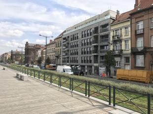 Prachtig 2 slaapkamer appartement in project Canal View op een<br /> schitterende locatie vlakbij het centrum van Brussel. De ruime<br /> leefruimte m