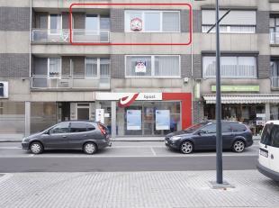 Dit energiezuinige appartement met afgesloten garage en berging ligt op de tweede verdieping pal in het centrum van Lummen, boven de post, tegenover a