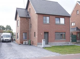 Recent gerenoveerde woning, rustig gelegen  in het landelijke Spalbeek.( deelgemeente van Hasselt ) op 10 are.<br /> De renovatie startte in 2014 en